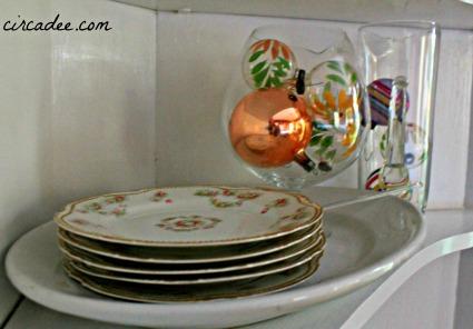 Christmas vignette: vintage floral cake dishes