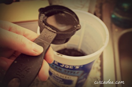 how to measure and mix milkpaint