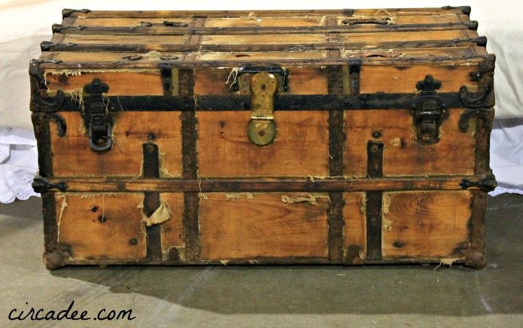 Hemp Oiled Wooden Trunk