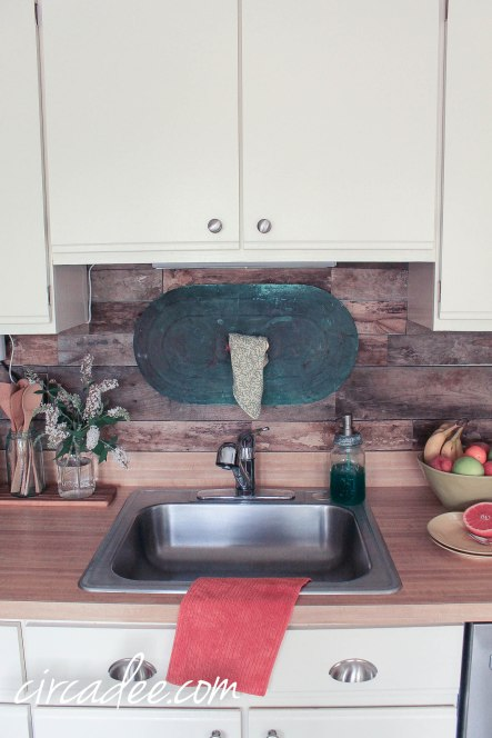 Pallet Wood Kitchen Wall Backsplash