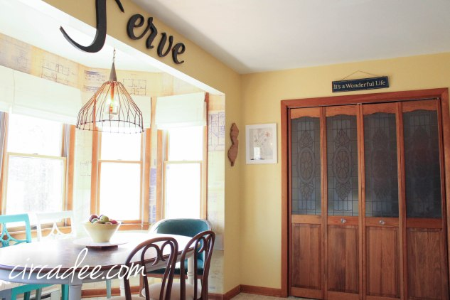 Vintage Font/Text - Serve Service Sign in Kitchen