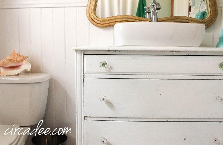 DIY Cottage Style Bathroom
