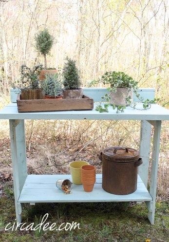 Eulalie's Sky Milk Paint Potting Bench #mmsmilkpaint