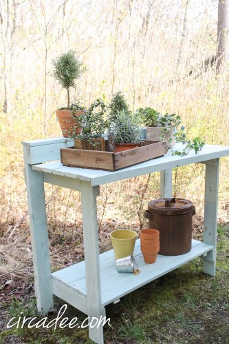 Eulalie's Sky Potting Bench