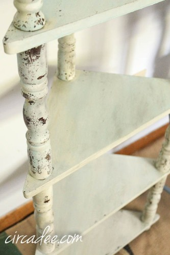 creating chippy texture with milk paint-4085