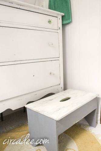 upcycled cottage bathroom