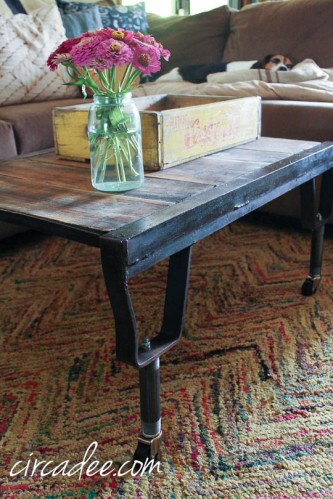 industrial pallet coffee table-4241