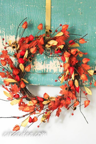 autumn wreath at West End Garage-4747