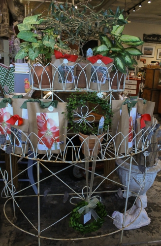 Circa Dee at West End Garage- circa 1940s plant stand