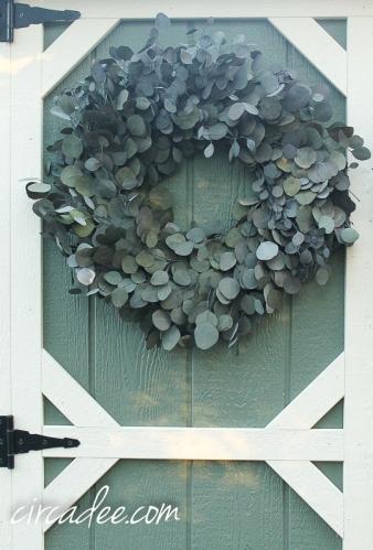 silver dollar eucalyptus wreath