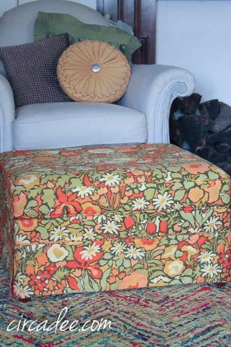 vintage floral ottoman-5005