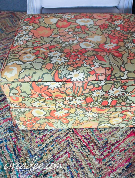 vintage floral ottoman-5006