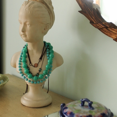 vintage jewelry bust