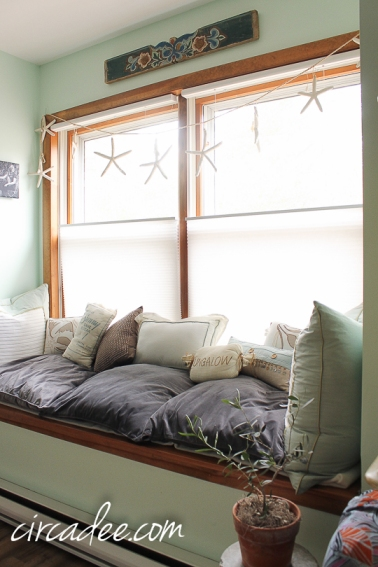 bedroom window seat