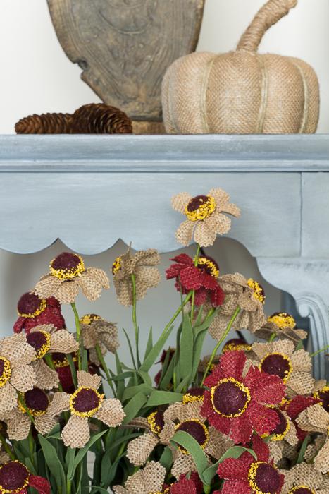 autumn burlap daisies