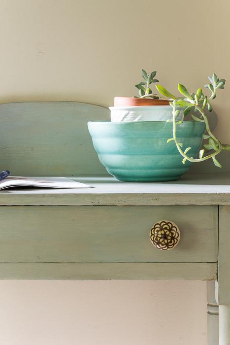 Layla's Mint Console Desk- vintage aqua mixing bowl