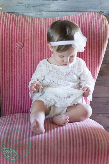 using vintage props for a 1st birthday photoshoot - 8134