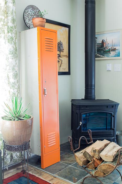 vintage locker and woodstove fall-16-624